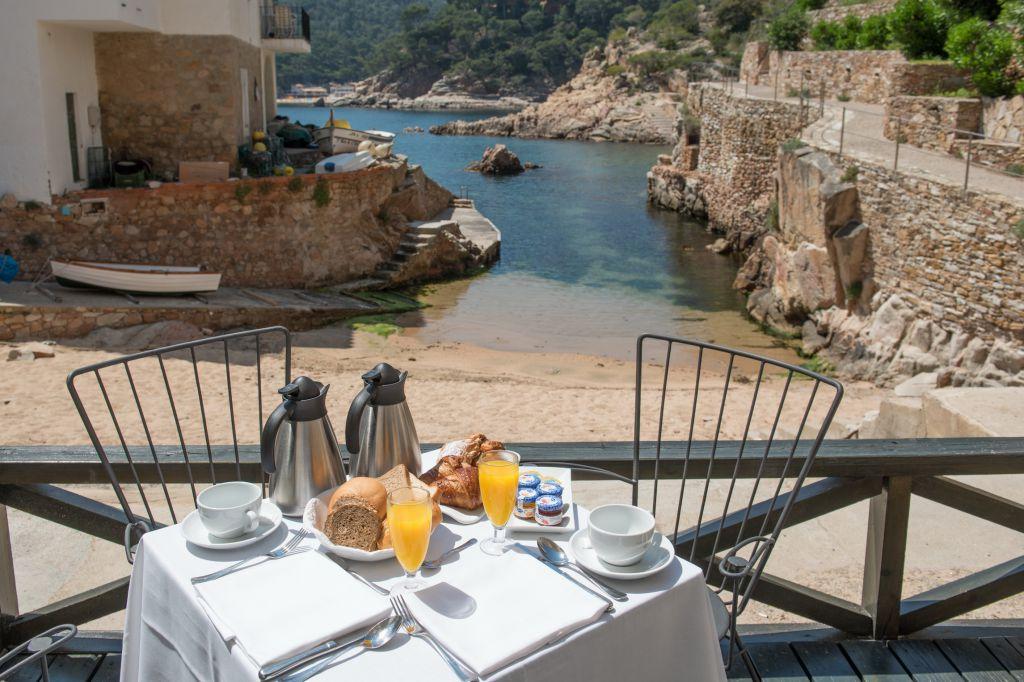 Chambre avec terrasse et vue sur la plage hotel aigua blava - Hotel chambre avec terrasse paris ...