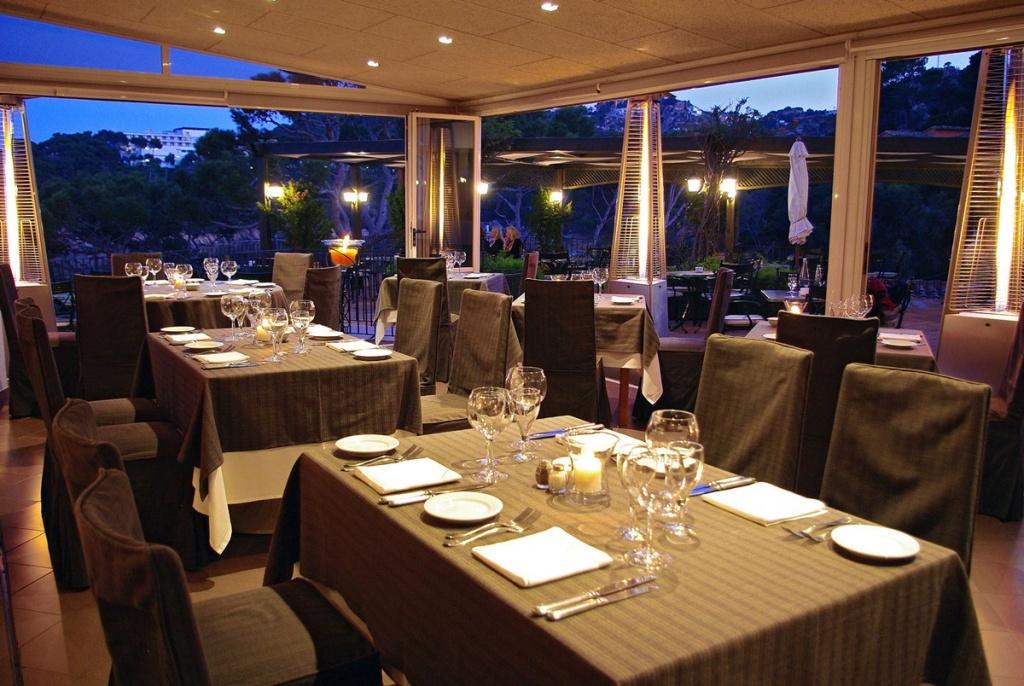 Restaurant sur la costa brava avec des vues privil gi es for Hotel avec restaurant
